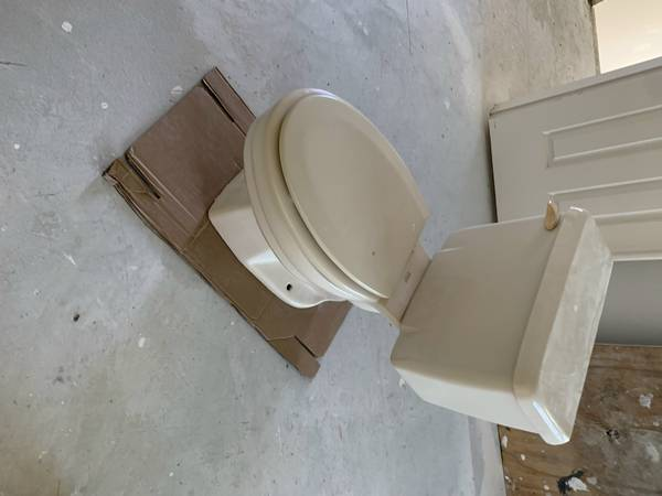 Photo Yes I still have it. bisque American standard toilet, white sink (naples)