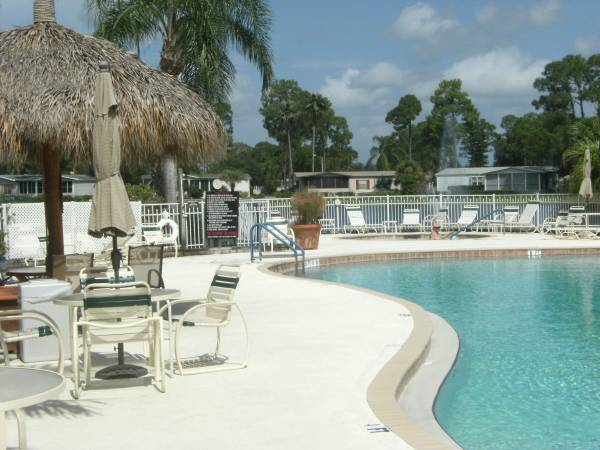 Photo TURN-KEY SEASONAL RENTALS AVAIL TODAY  CABLE  WIFI  GATED (FORT MYERS  N. FORT MYERS  GATEWAY)