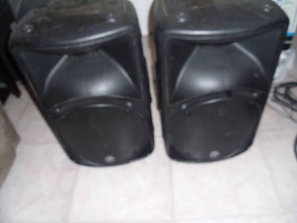 Photo pair Mackie SRM450 PA Speakers - $300 (Cape Coral)