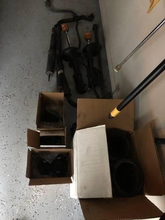 Photo 05 - 09 Mustang GT suspension parts - $125 (Van Buren)