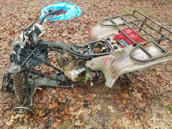 Photo 1988 honda 300 atv parts just let me know what you want - $1,234 (Mena)