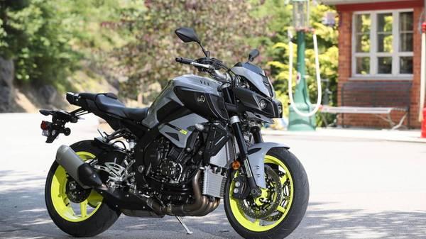 Photo 2017 Yamaha FZ10 1000cc Street Bike - $11,000 (Sallisaw, OK)