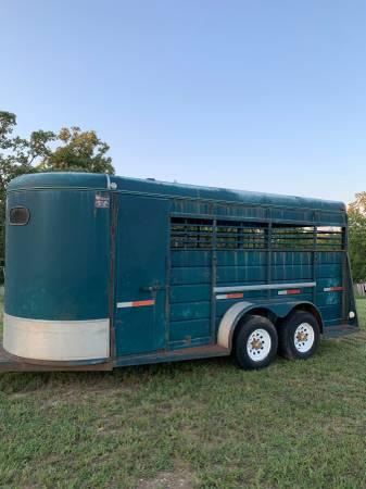 Photo 3 horse slant horse trailer - $3,500