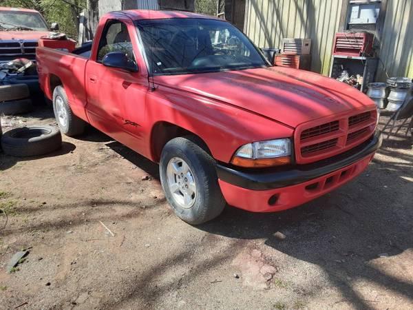 Photo 97 Dodge Dakota - $2500 (Van Buren)