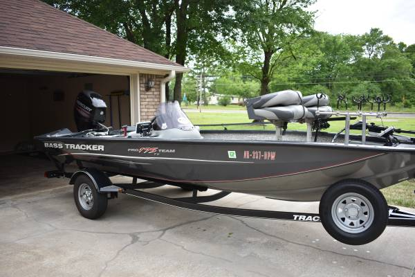 Photo Bass Tracker Boat - $12700 (Midland, AR)