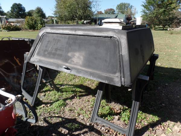 Photo CAMPER SHELL FORD RANGER PU - $125 (Muldrow)