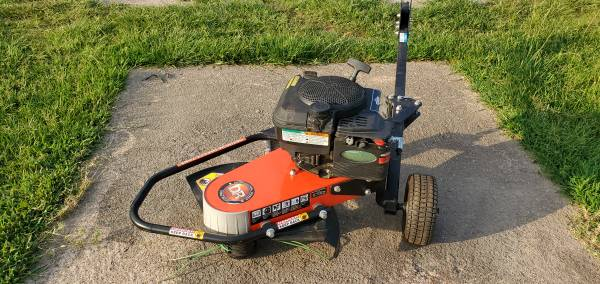 Photo DR Fence Row Mower Weedeater like new - $650 (Ozark AR)
