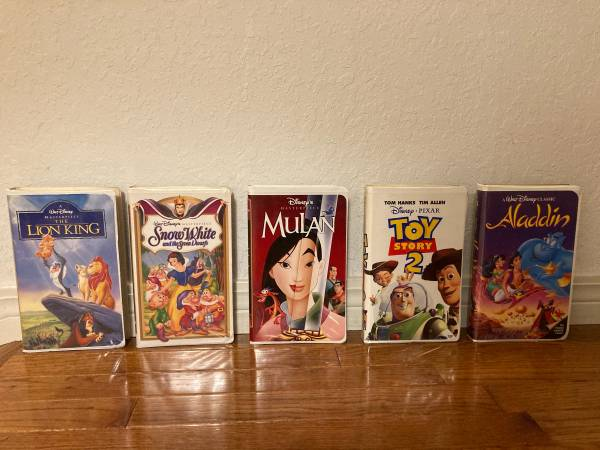 Photo Disney VHS - $5 (South Tulsa Broken Arrow)