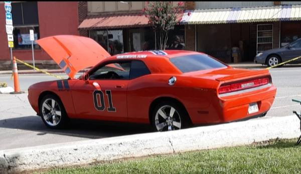 Photo General Lee Dodge Challenger RT - $14000