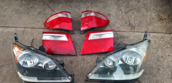Photo Honda odyssey 05-08 authentic honda lights - $200 (Fort Smith)