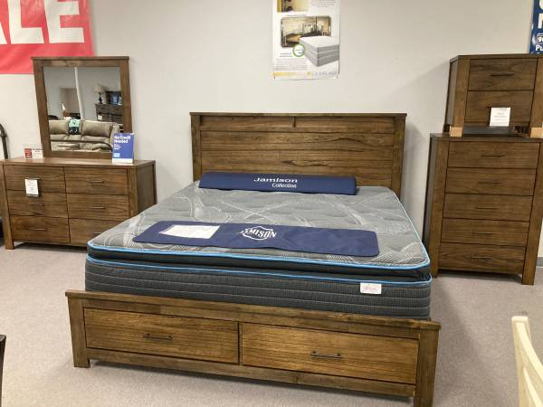 Photo Red Hot Sale 5pc King Bedroom Group Low As $39 Down Hurry In While Supp - $1,599 (Fort Smith)