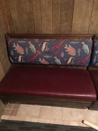 Photo Restaurant booth seats - $75 (Jenny Lind)