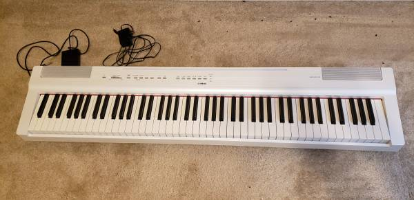 Photo Used Yamaha P-125 digital piano White 88 key - $550 (Joplin)