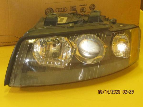 Photo 02 -05 Audi A4 LH headlight (HID) - $100 (Ft Wayne)