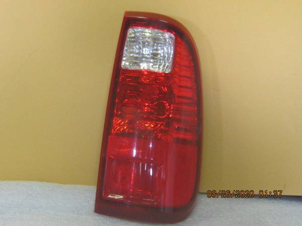 Photo 08 16 Ford Super Duty RH tail light (FORD) - $25 (Ft Wayne IN)
