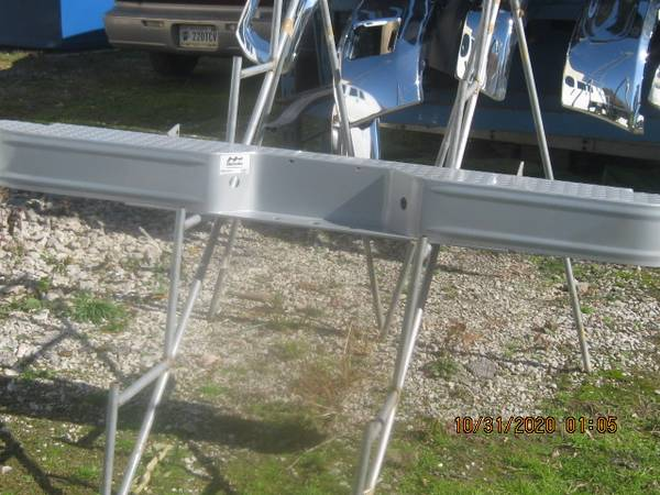 Photo 1994-2001 Dodge Ram rear painted step bumper(NIB) - $200 (Ft Wayne IN)