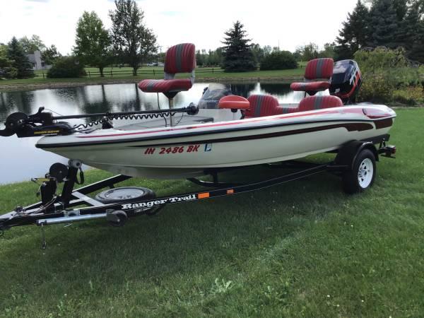 Photo 1998 Ranger R61 Bass Boat - $10,995 (Hoagland, IN.)