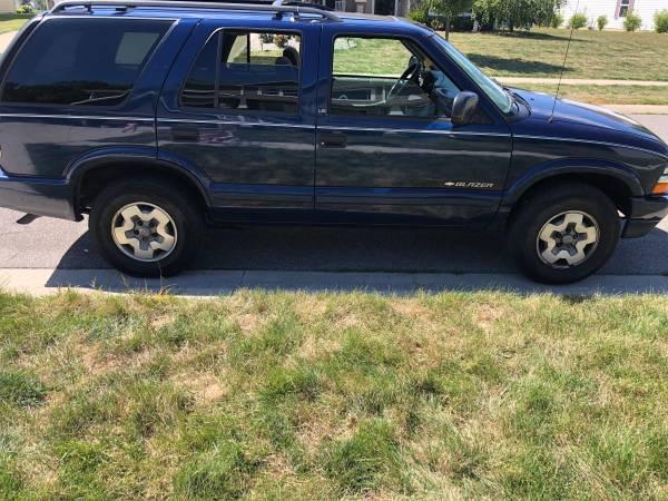 Photo 2002 Chevy Blazer $1200 - $1,200 (Fort Wayne)