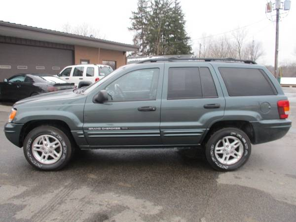 Photo 2004 Jeep Grand Cherokee 4dr Laredo 4WD 4.0 6cyl mi BLOWOUT - $2500 (Angola, IN trades welcome)