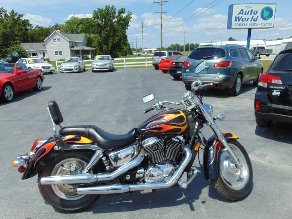 Photo 2007 HONDA SABRE SHADOW VT1100 - $4,500 (CHURUBUSCO, IN)