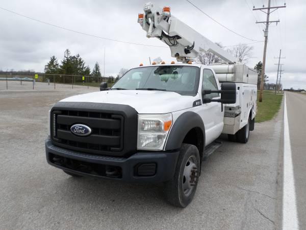 Photo 2013 Ford F450 Super Duty Bucket Truck - $29,000 (Defiance, Ohio)