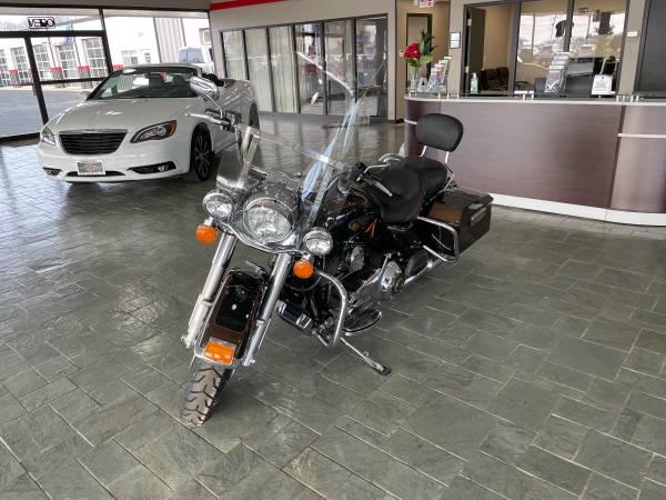 Photo 2013 Harley-Davidson FLHR 110th Anniversary Edition - $12,900 (Elwood)