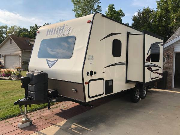 Photo 2017 Rockwood mini lite by forest river - $16,950 (Decatur, Indiana)