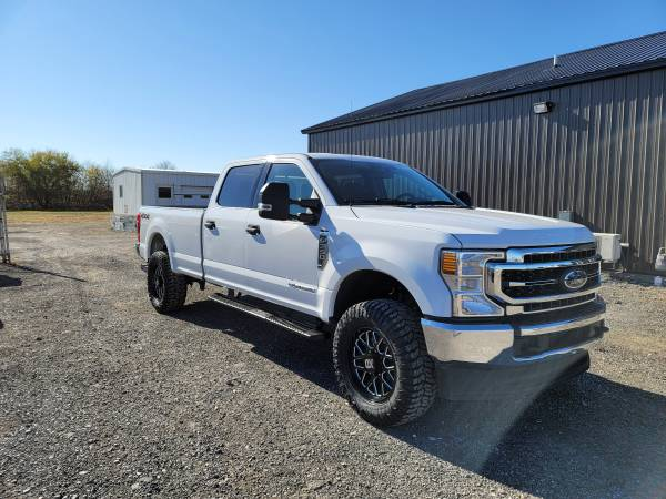 Photo 2020 FORD F350 XLT 4X4 CCLB 6.7 POWERSTROKE DIESEL LIFTED LOW MILES - $57,900 (BLISSFIELD MI)