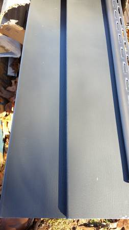 Photo 4 Squares of (MANOR) Double 4 Vinyl Siding - $225 (ANGOLA, IN)