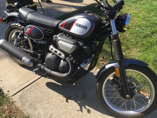Photo As New-Showroom 2017 Yamaha SCR950 with only 1700 Miles - $4,500 (Greenwood)