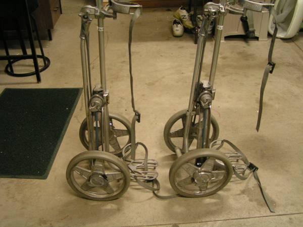 Photo Bag Boy Pull Golf Cart - $25 (New Haven)