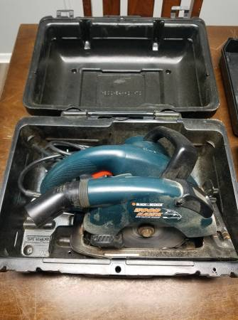 Photo Black And Decker Wood Hawk Saw With Case, Make Offer (Fort Wayne)