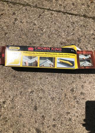 Photo Crown molding jig, used for one project - $15 (Fort Wayne)