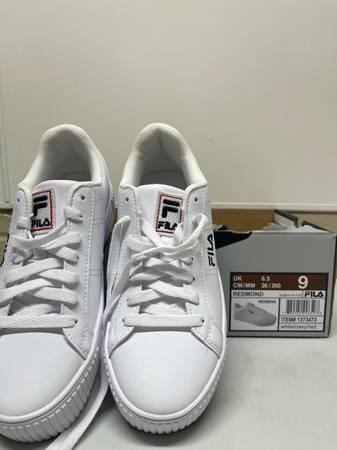 Photo FILA Womens Redmond Shoes - Size 9 - $25 (Spencerville)