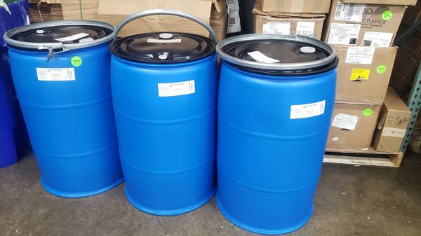 Photo Food Grade Plastic 55 gallon drum Poly Lever Lock Ring - $50 (Downtown Fort Wayne)