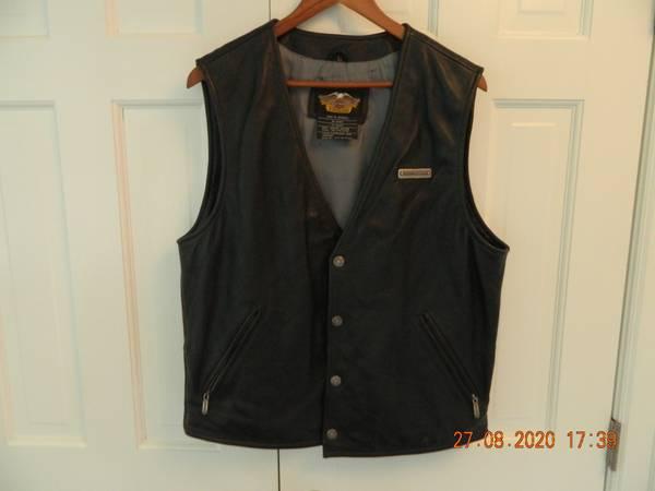 Photo Men39s Harley Davidson Leather Vest - $50 (NE Fort Wayne)