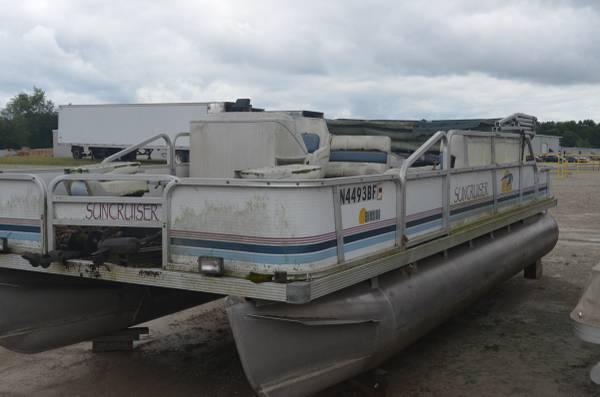 Photo Pontoon Restoration Sun Cruiser 20 1996 - $8,500 (WARSAW)