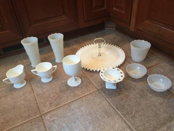 Photo Qty- 10 Nice collection of Milk Glass- Fenton  Hobnail - $30 (DecaturFt Wayne, IN)