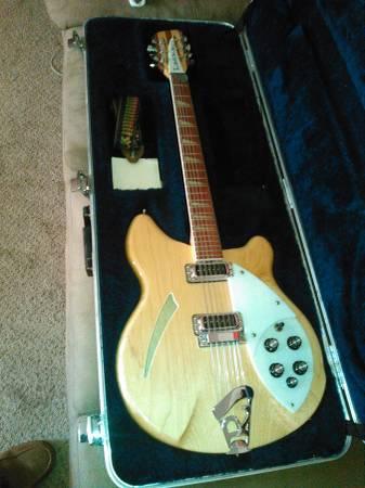 Photo Rickenbacker 360-12 string - $2,100 (Woodburn)