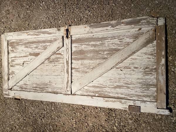 Photo Vintage Barn Door Sliding or Swing - $100 (Fort Wayne)