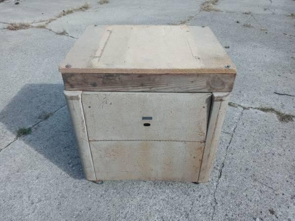 Photo Vintage Craftsman tool stand - $20