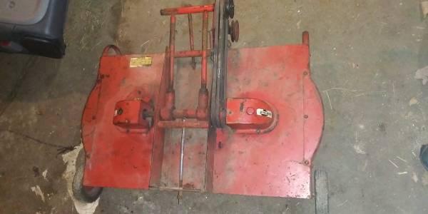 Photo Wheel Horse Garden Tractor Deck Round Hood - $150 (Plymouth,IN.)