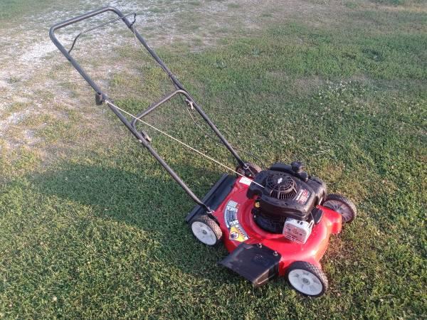 Photo Yard Machines 20quot push mower - $120
