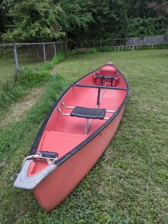 Photo 15 ft Canoe - $399 (Silver Spring)