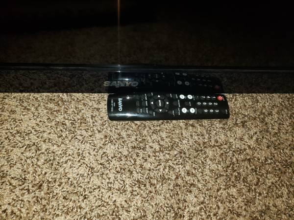 Photo 50 inch Sanyo tv, with remote no stand - $35 (Frederick)