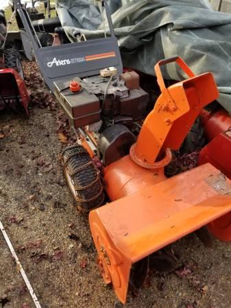 Photo Ariens ST 8 24 snow blower - $500 (Monrovia)