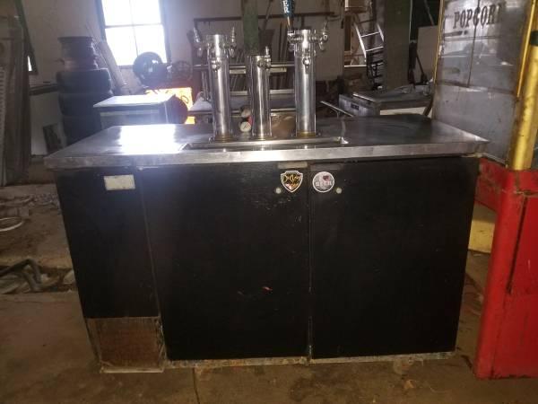 Photo Beer tap cooler kegerator - $700
