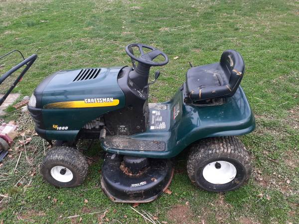 Photo Craftsman T1000 Riding Mower 17.5Hp - $425 (Westminster)
