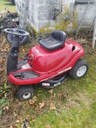 Photo Craftsman tractor - $50