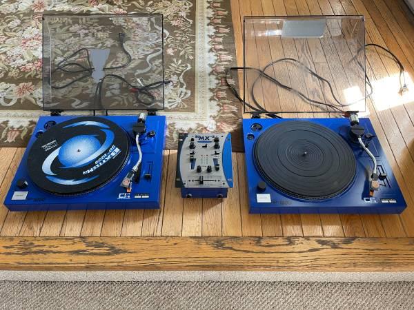 Photo Crate Pro Audio SD1000 Belt Drive Semi-Auto Turntables  Pre Mixer - $125 (Ballenger Creek)